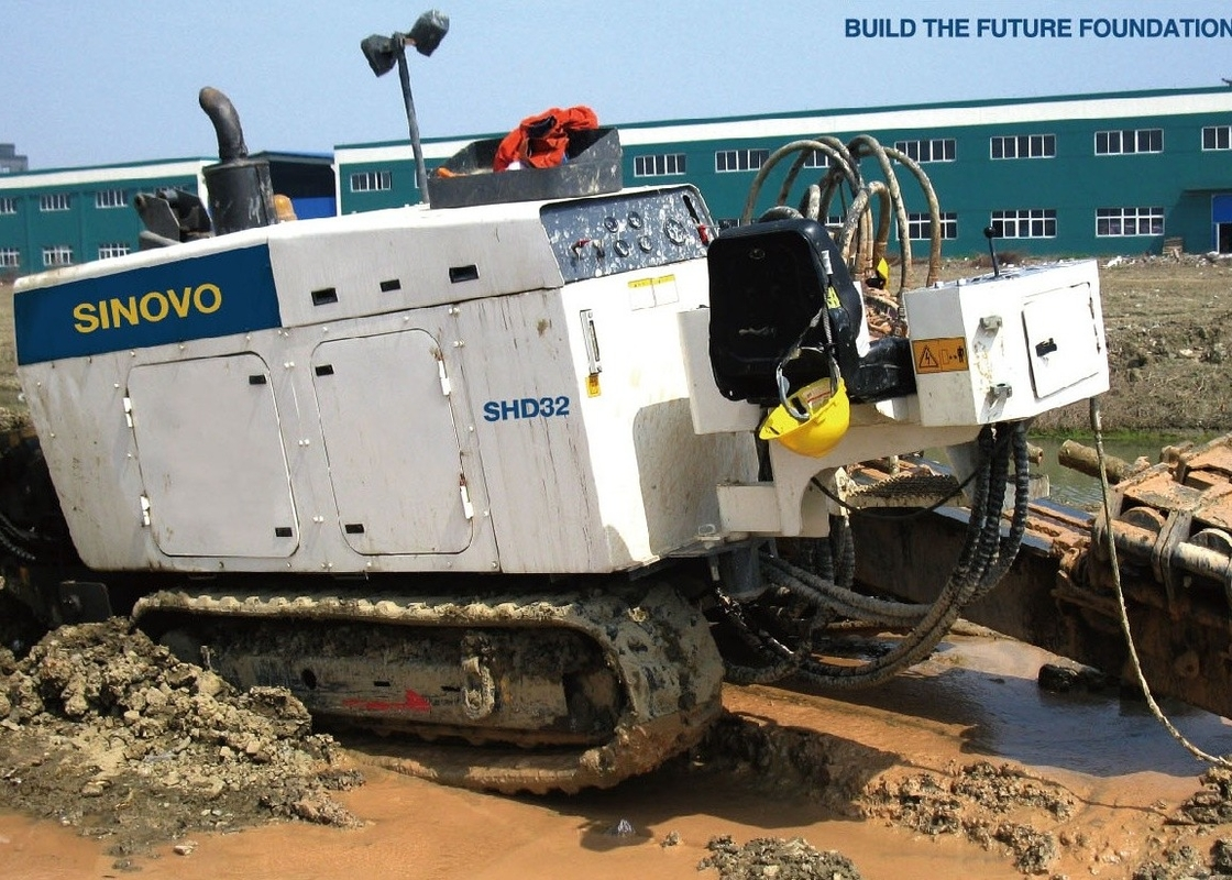 Electro Hydraulic Crude Oil 3000KN HDD Drilling Rig